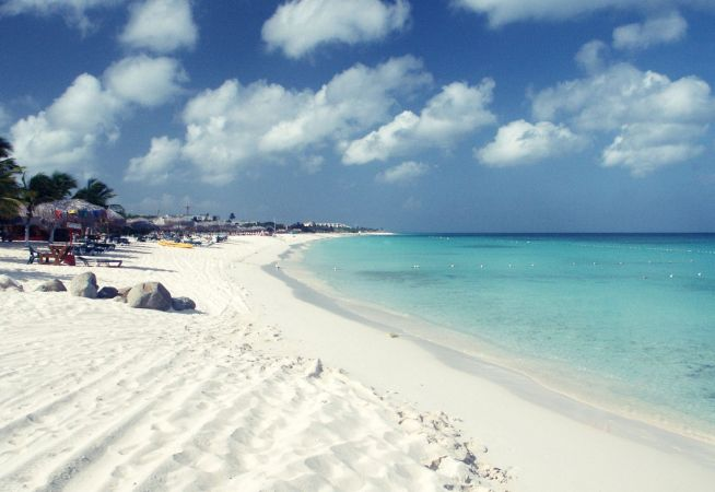 Aruba Holidays - Amazing Beach