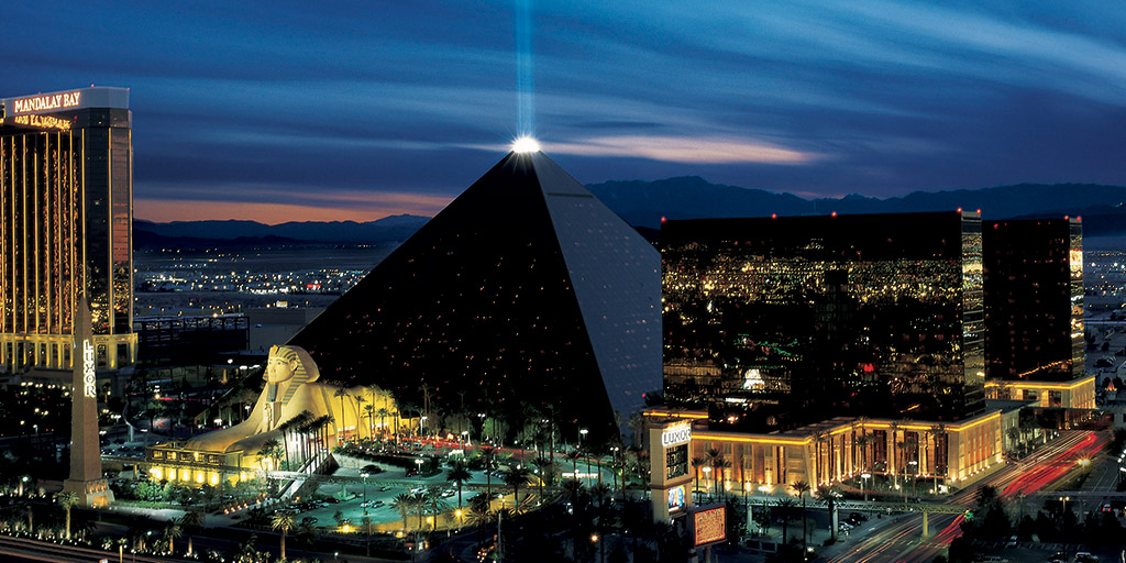 How Many Rooms In The Luxor Hotel